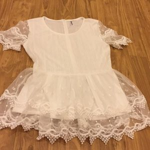 Journey Five White Lace Top Size Large